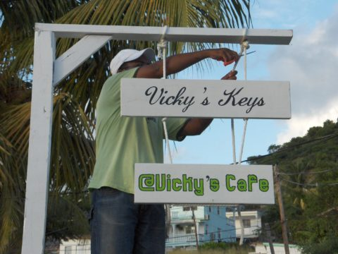 VIcky's keys Hostel, voluntouring, volunteer programs abroad, volunteering opportunities, voluntourism, volunteers, volunteer team, food and accommodation