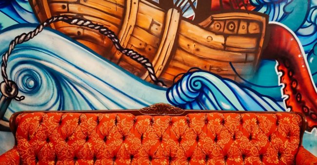 Couchsurfing, couchsurfer, photo, logo, model, couch, voluntouring,free couch, couchsurfing not comfortable, what is couchsurfing, free hospitality,