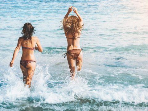 voluntouring, voluntourism, sea, tourist, travellers, girls, bikini