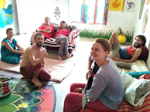 community in Varanasi, community in India, intentional community in India, ecovillage in India, ecovillages in India, eco-village, eco-villages, India, Varanasi, free accommodation in Varanasi, volunteer call