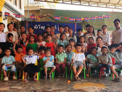 teaching english, teach english, volunteer as a teacher in Cambodia