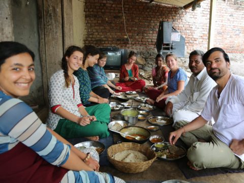 volunteering, volunteer, India, women empowerment, rural, voluntouring, food and accommodation, free exchange, voluntourism, volunteers, meal