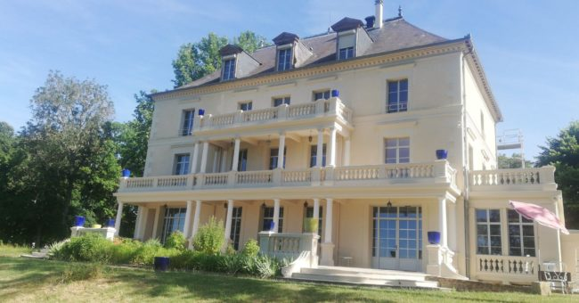 Castle exchange, live in a castle, workaway, helpx, hospitality exchange, volunteering, volunteers, voluntouring, France, Paris