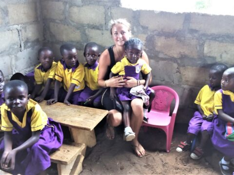 Ghana, volunteer program, projects, volunteering, voluntouring, voluntourism, volunteer team, Senya Beraku