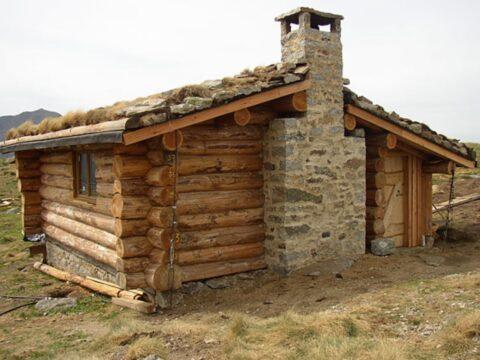 volunteering, volunteer, projects, programs, slow travel, house, wooden, cabin